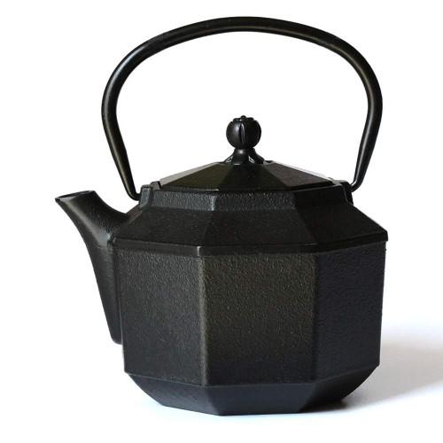東仙信山堂 小鉄瓶 鉄急須 八角 ステンレス茶こし付き IH・直火両方対応 0.8L YTB025